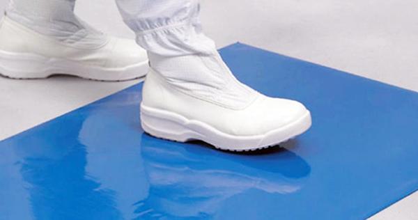 Коврик предназначен для размещения перед входом в зону EPA для очистки антистатической обуви от загрязнений
